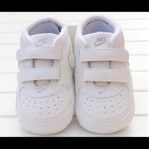 Shoes | White Nike Infant Size 2 | Poshmark